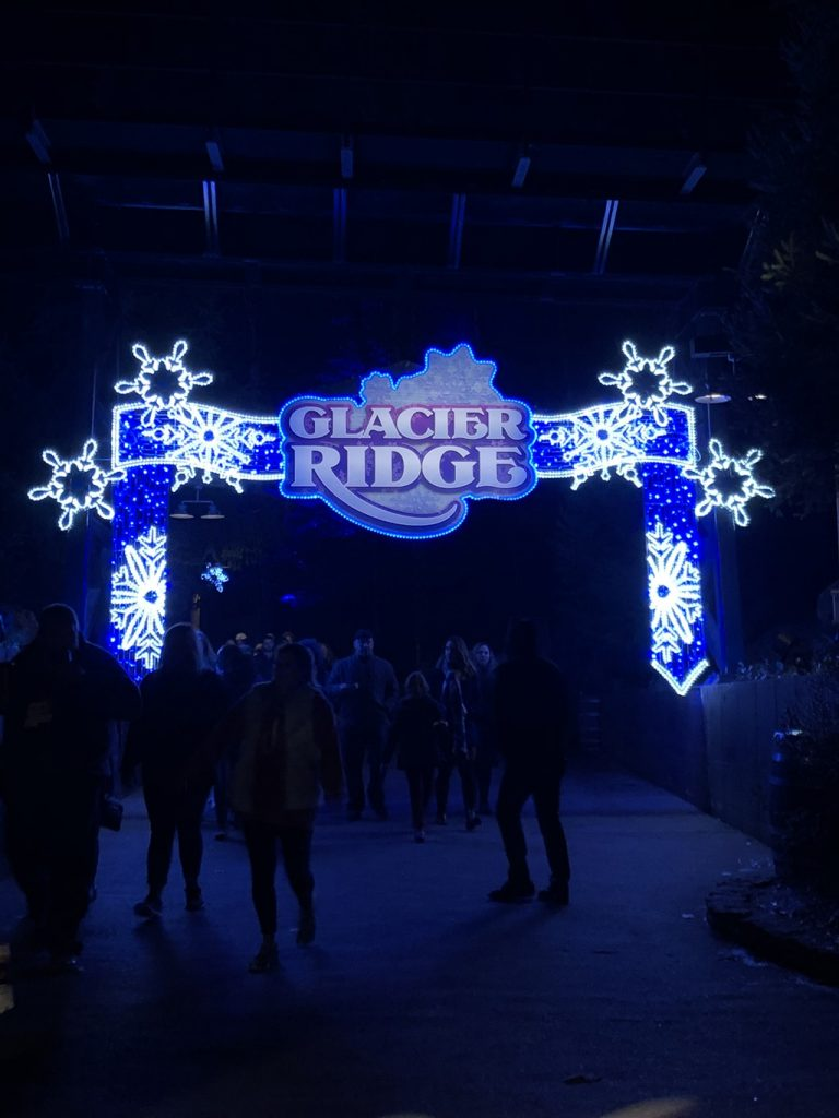 Dollywood Christmas Glacier Ridge