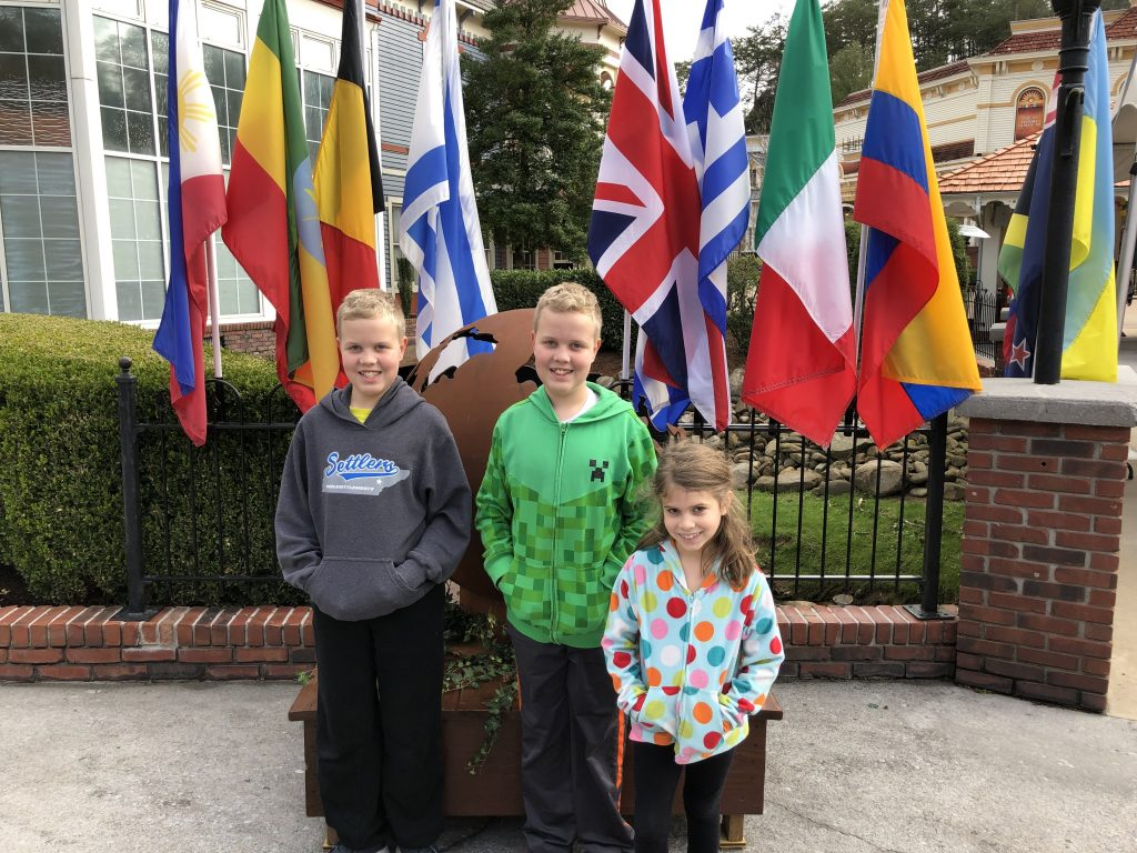 dollywood Festival of Nations kids at front with flags