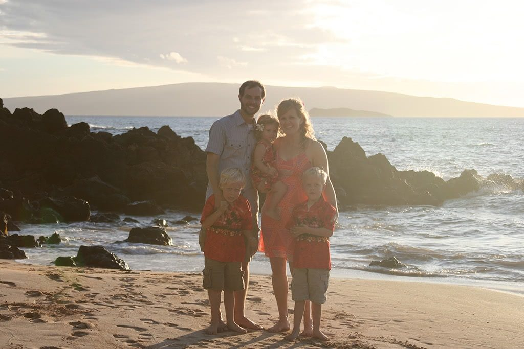 things to do in maui hawaii take family pictures