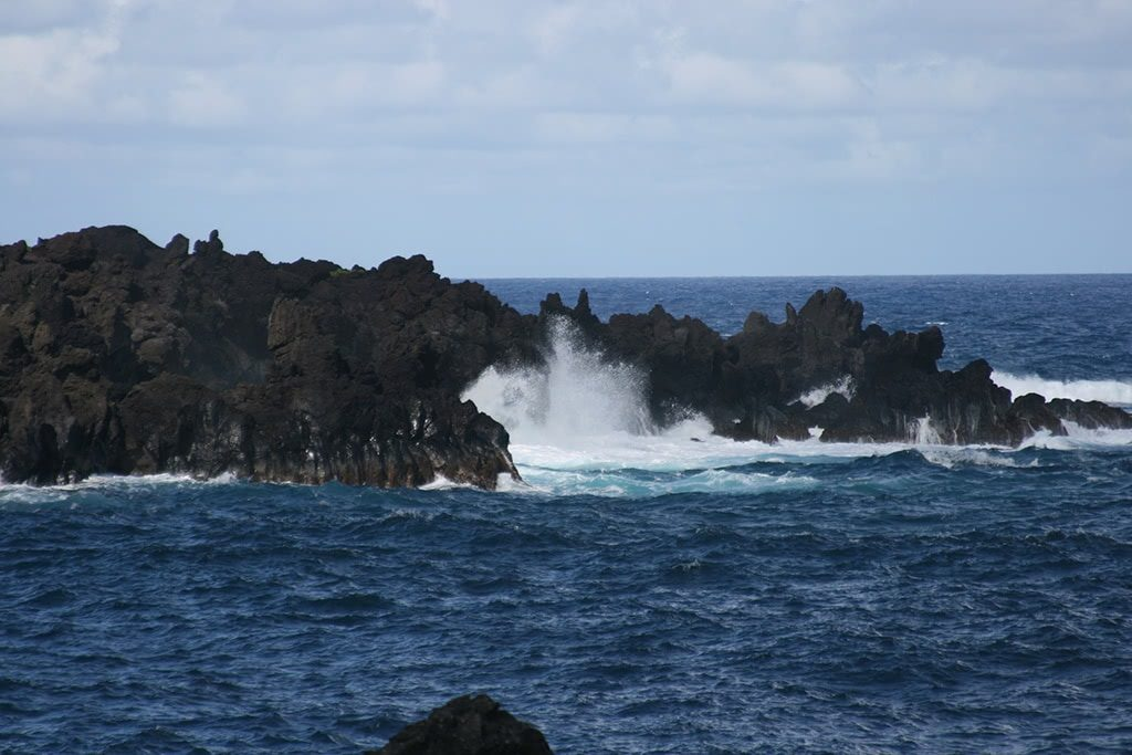 things to do in maui hawaii lava rocks