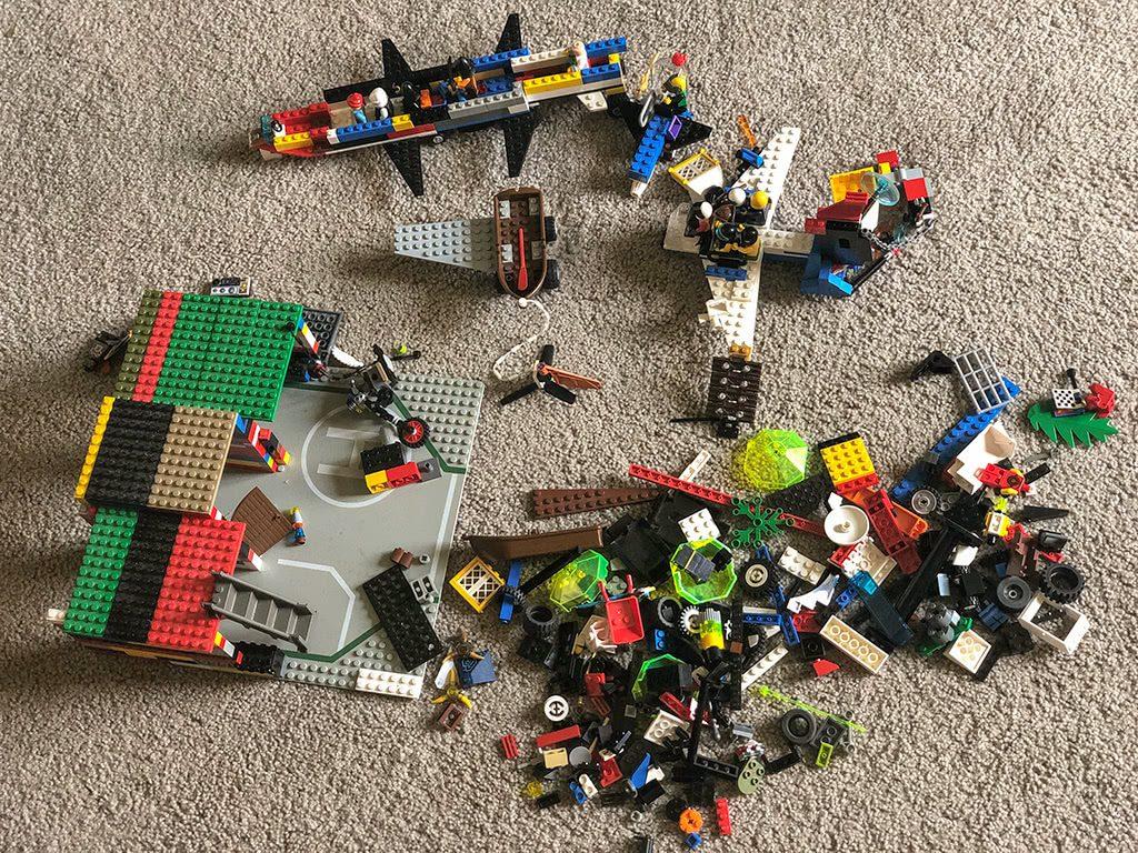 LEGOLAND Florida Tips Legos in the floor