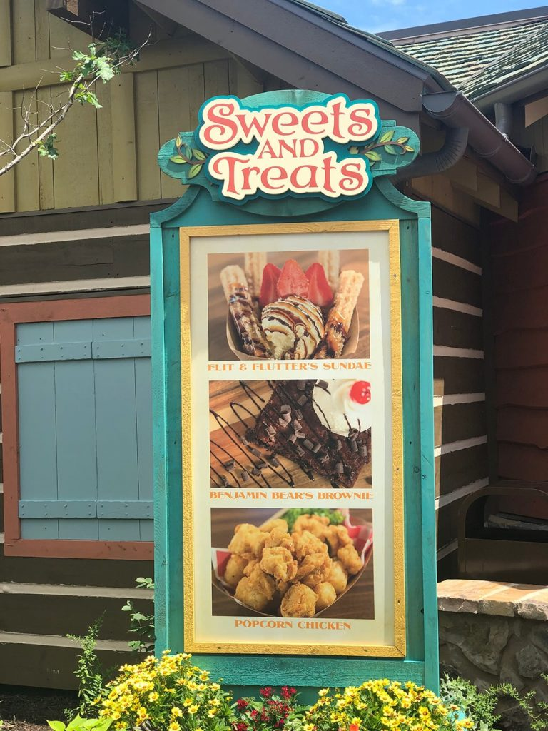 Sweets and Treats at Till & Harvest Restaurant at Dollywood Wildwood Grove