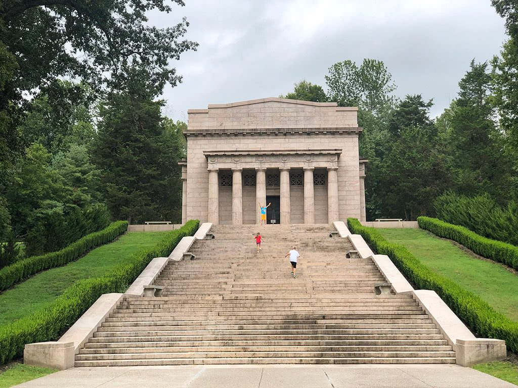Abraham Lincoln Birthplace National Historic Park Lincoln Memorial Climbing Up