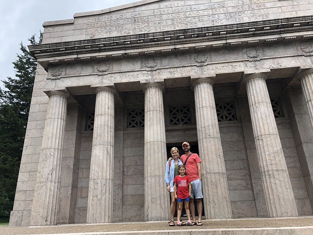 Abraham Lincoln Birthplace National Historic Park Lincoln Memorial Family In Front