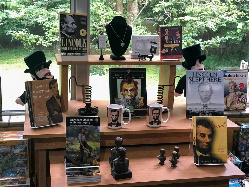 Abraham Lincoln Birthplace National Historic Park Visitor Center Books Store