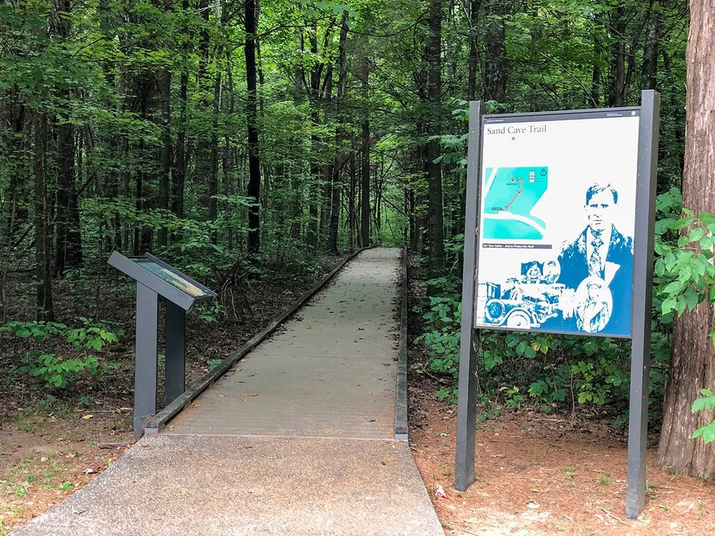 Mammoth Cave National Park Sand-Cave-Trailhead
