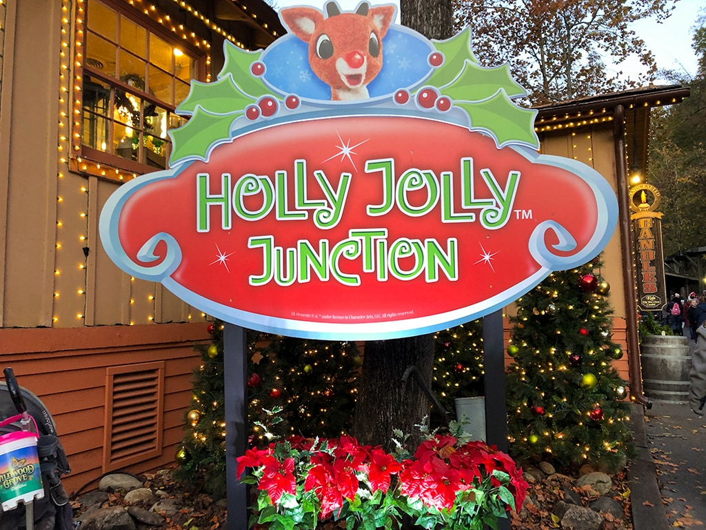 Dollywood Christmas Holly Jolly