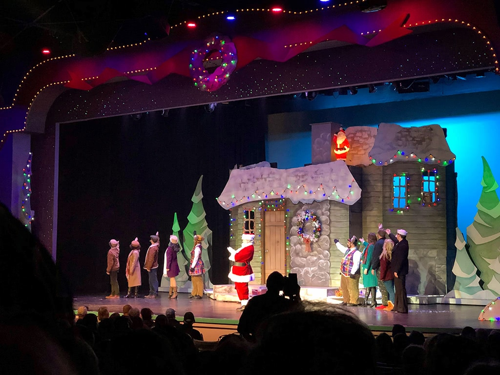 Dollywood Christmas Shows