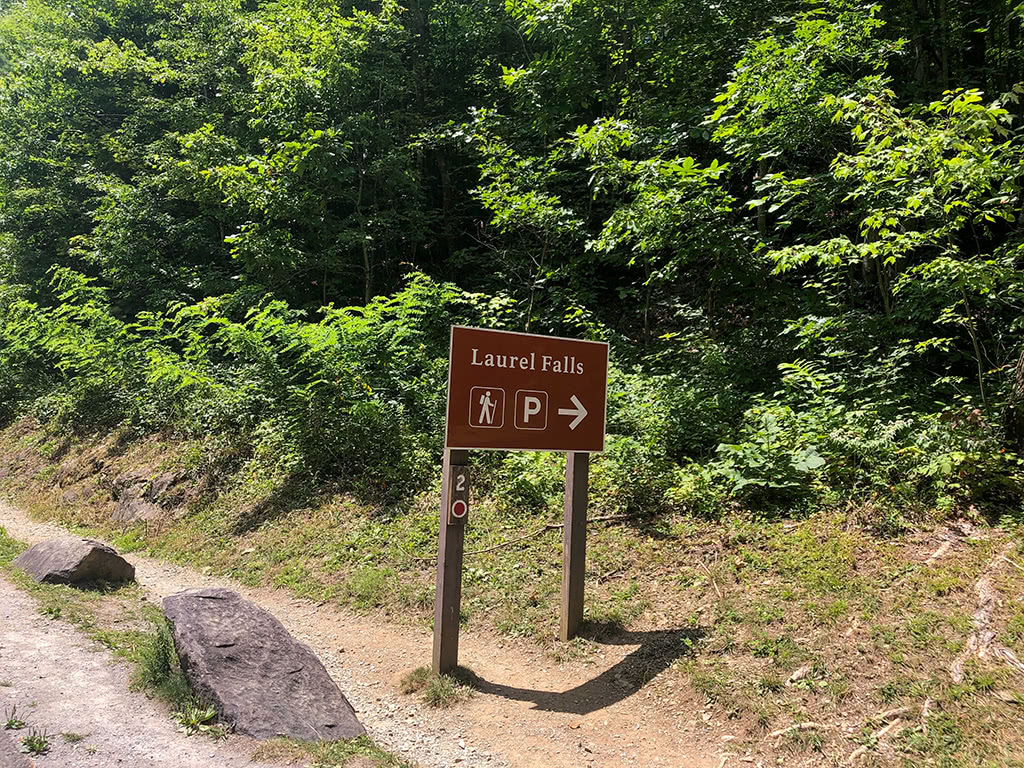 Laurel Falls Parking Sign