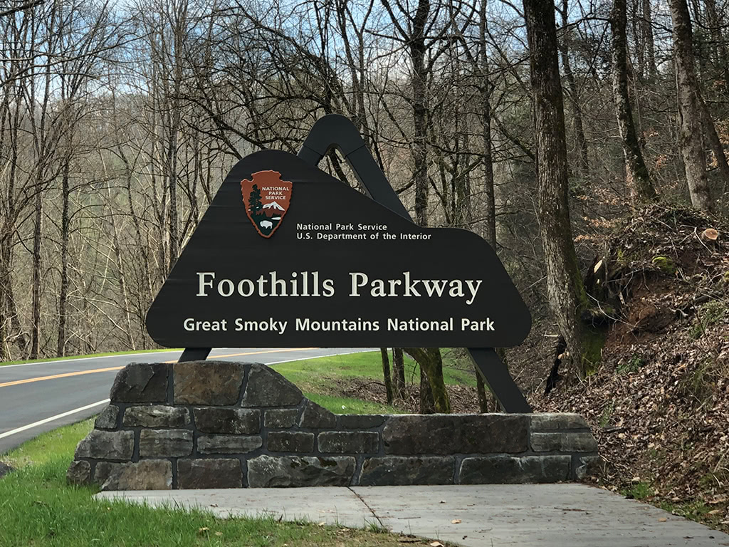 foothills parkway is one of the most scenic drives in the smoky mountains