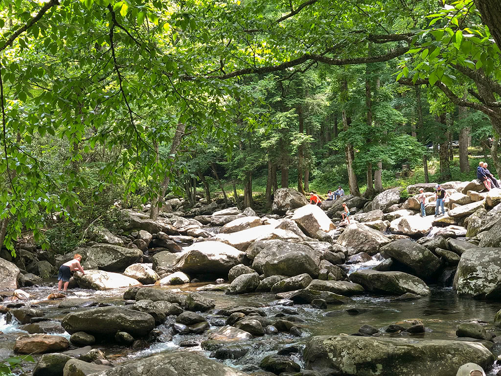 scenic drives in the smoky mountains visit the chimneys picnic area